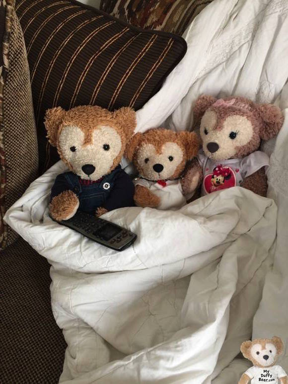 Duffy the Disney Bear, Little Joe & ShellieMay snuggle up on the couch to watch movies with Duffy in charge of the TV remote!