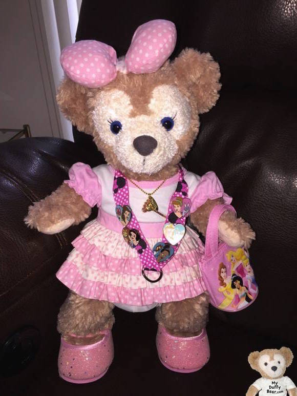 ShellieChristine the Disney Bear is dressed in pink polkadots to greet Minnie Mouse