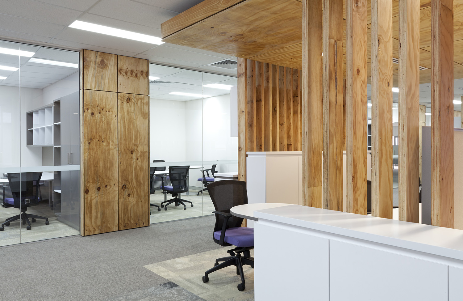 CNH Capital Commercial Offices Meeting Rooms and Office Space Interior Design – Gardner Wetherill GW 1