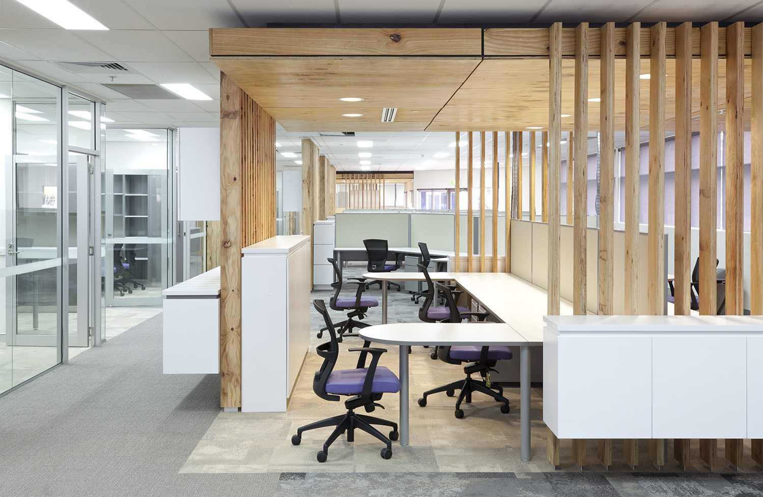 CNH Capital Commercial Offices Office Desk and Raw Timber Panelling – Gardner Wetherill GW 3