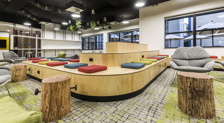 Macquarie University International College Student Precinct Seating Area – Gardner Wetherill GW 3