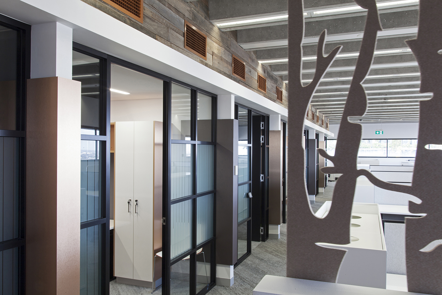 UTS Building 1 Levels 20 & 21 Office and Workplace Hallway and Meeting Rooms Interior Design – Gardner Wetherill GW 4