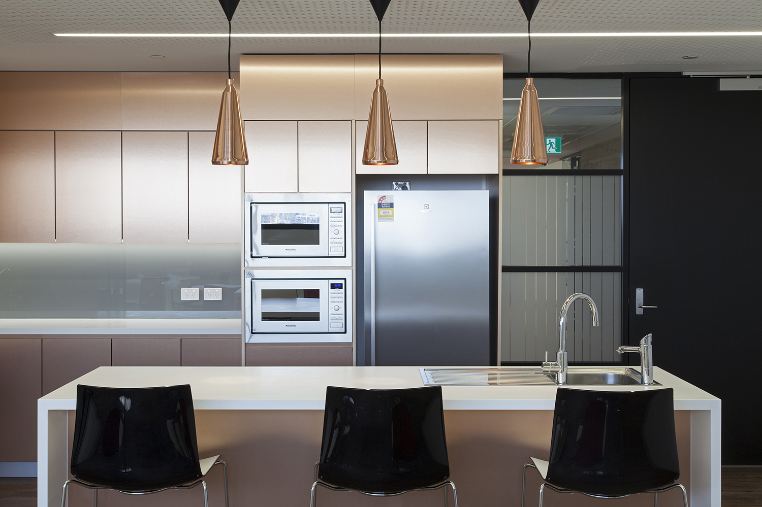 UTS Building 1 Levels 20 & 21 Office and Workplace Kitchen – Gardner Wetherill GW 3