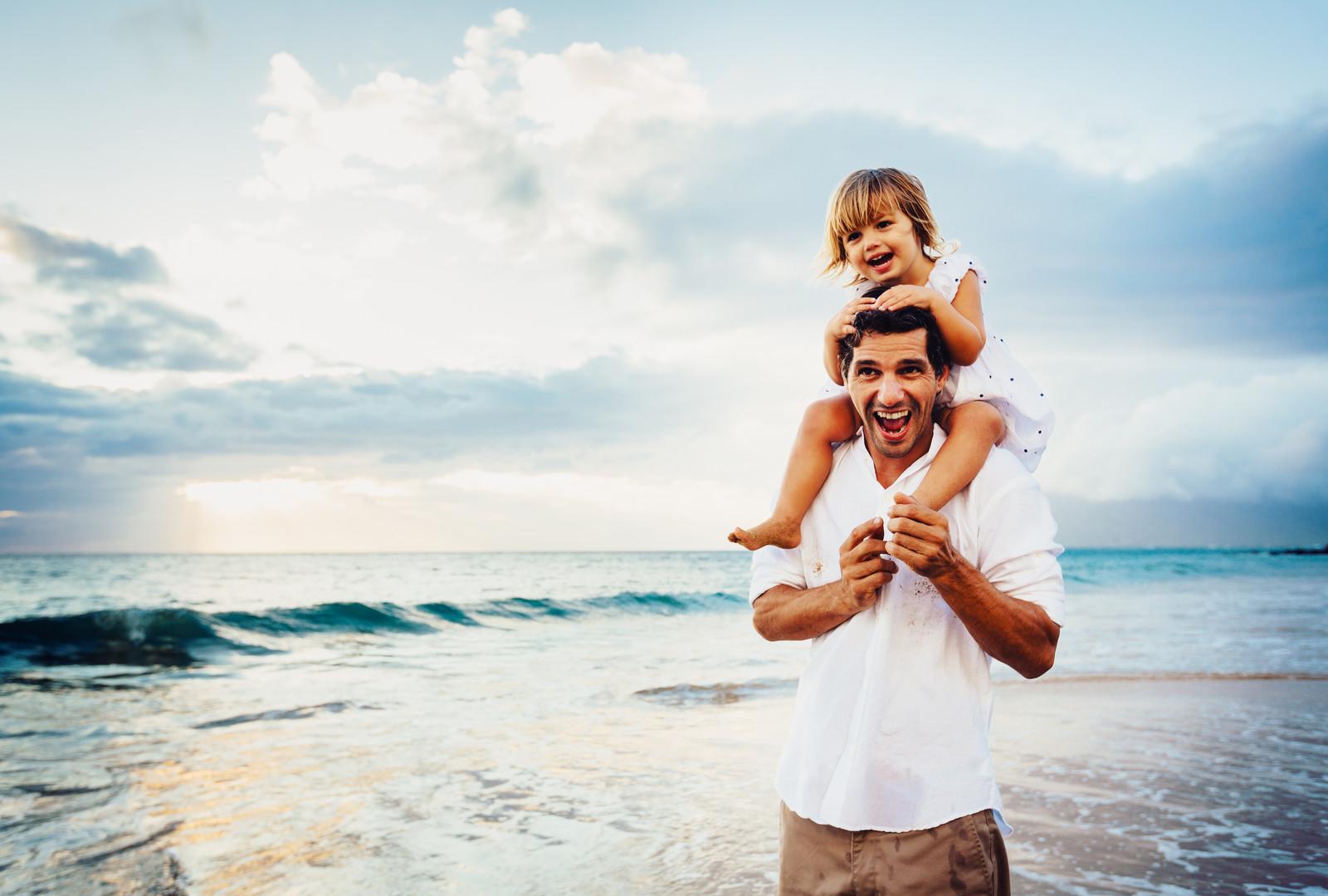 Papà felice con figlia