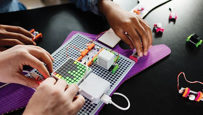 Circuits, Coding and Engineering Design for Grades 3-6