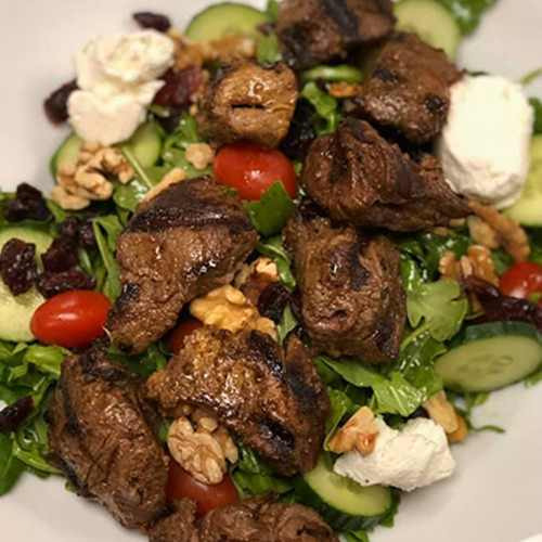 Arugula salad with beef tenderloin