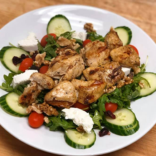 Arugula salad with grilled chicken