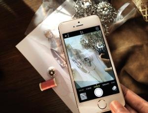 Burberry-LFW-Apple-iphone-5s