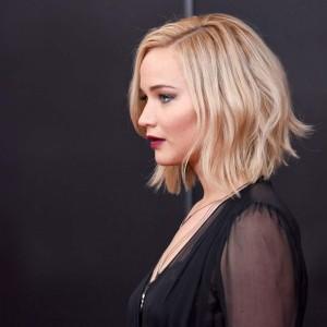Jennifer Lawrence's textured waves