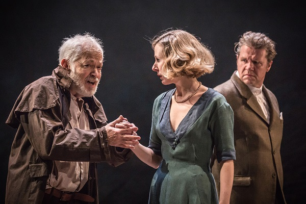 4. King Lear _Michael Pennington, Sally Scott and Shane Attwooll_-824