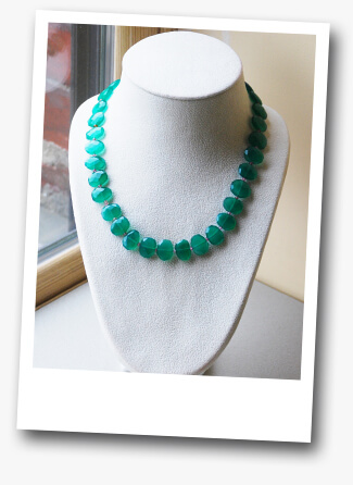 Beginner Jewelry Necklace Design with Sapphires and Green Agate