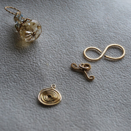 Findings Workshops with Swirls and Twisted Chain Clasp in Gold from Specfic Skills Class