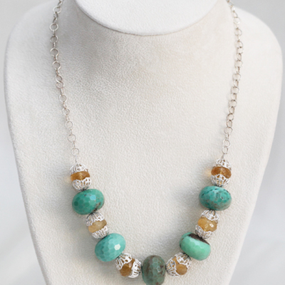 Intermediate Necklace Jewelry Design with Chain and Chrysoprase Stones in Silver