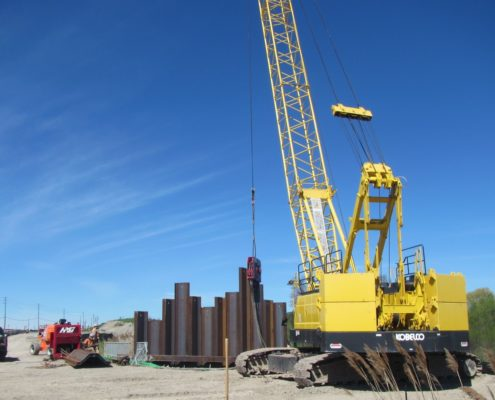 sheet pile installation at Rainbow Creek structure