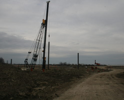 Photo showing pile driving between Langstaff Road and Rutherford Road