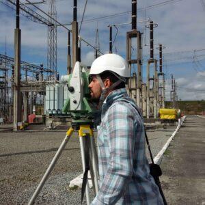 Subestacao-medindo-engenheiro