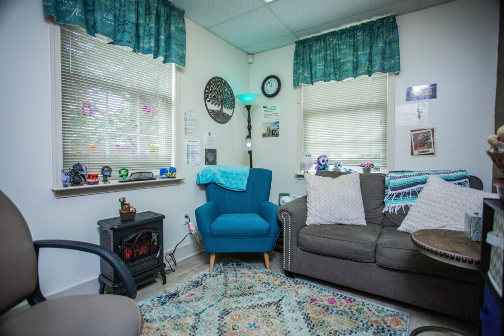 courage health and wellness service therapy room