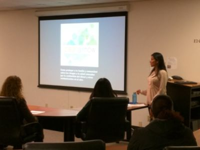 Leticia Presents to the Morning Class