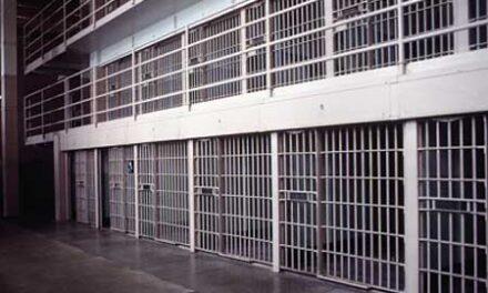 Cadeia decente para todos!