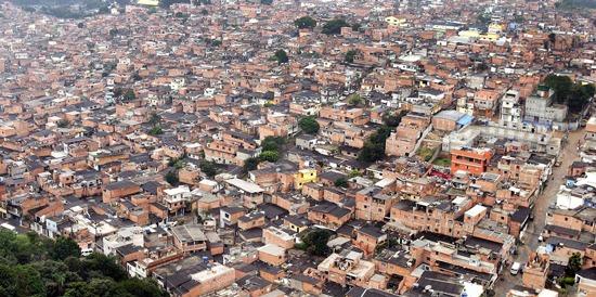 E as favelas? – Editorial