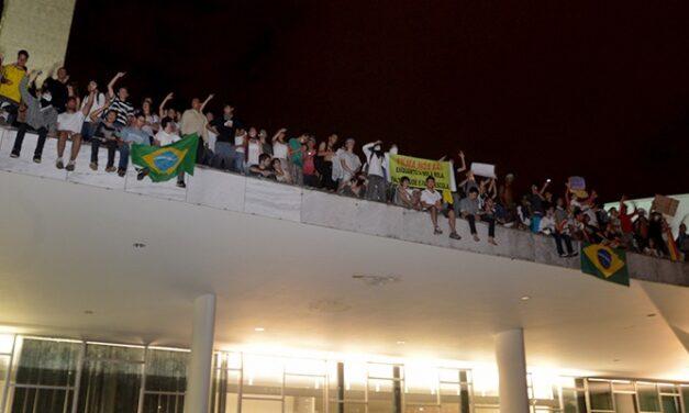 Ensaio Sobre a Estranheza: Impressões Sobre os Protestos Recentes No Brasil – Roseane Xavier