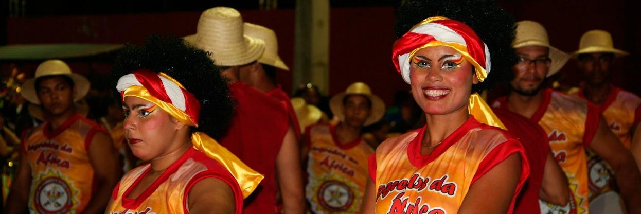Maracatu Nação Aurora Africana - Carnaval de 2015 em Recife.