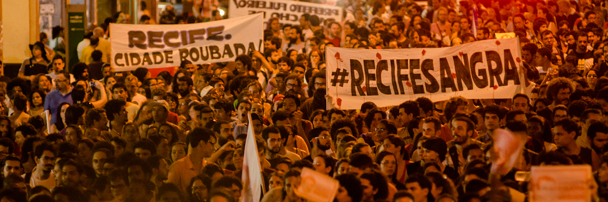 Manifestantes do Movimento Ocupe o Estelita ( autor desconhecido).