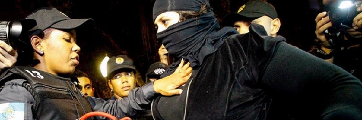 Confronto entre polícia e manifestantes - Rio de Janeiro, 2014.