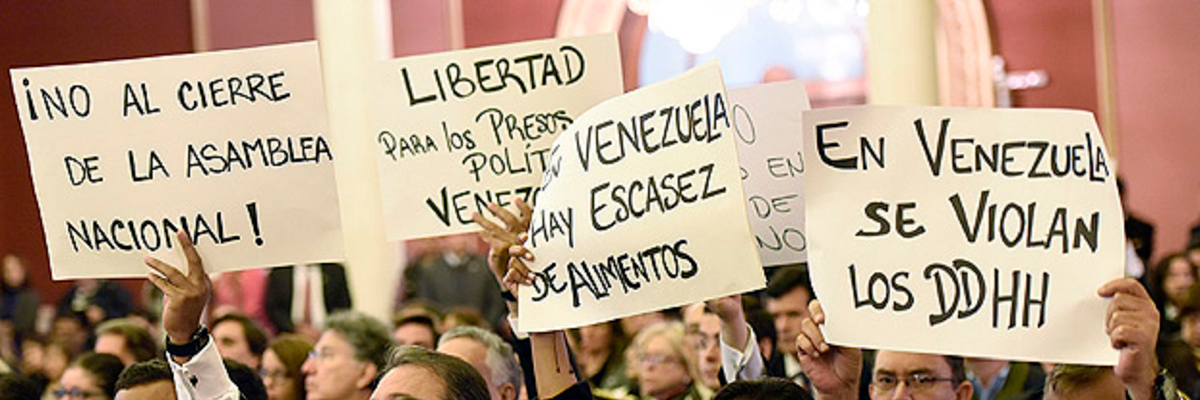 Protestos contra o governo de Maduro em reunião do Mercosul.