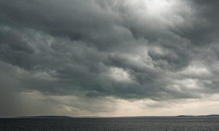 A tempestade – Teresa Sales