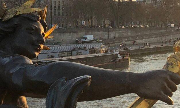 Amanhecer e anoitecer em Paris – Fernando Dourado