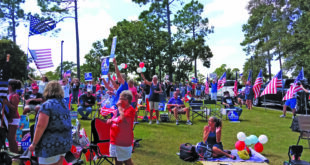 """""""Defend Your Police"""" rally draws hundreds of locals"""