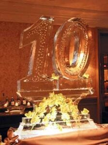 10 ice sculpture large with flowers in base