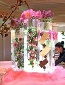 Custom-Flower-Vases Ice Sculpture