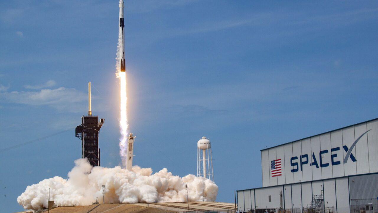 https://secureservercdn.net/166.62.108.196/4j2.4a5.myftpupload.com/wp-content/uploads/2020/05/SpaceX-Crew-Dragon-Demo-2-1280x720.jpeg