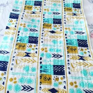 Absolutely in love with this fabric from #cottonandsteel #mezzanine #august #sarahwatts #cottonandsteelfabric #lovefabric #loveit #quilt #sewin #cotton #prettyfabric #fabric #staytuned #inthemaking #fatquartershop #inlove #quilting