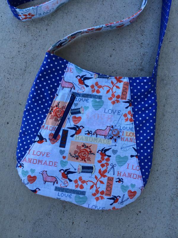 Curvy Messenger Bag