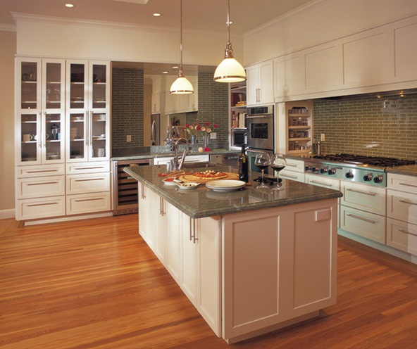 white_shaker_cabinets_contemporary_kitchen