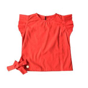 Blusa con bobos en manga roja