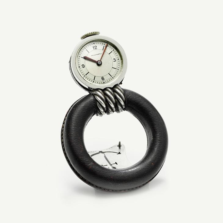 FD TABLETOP   A Nautical Desk Clock by Van Cleef & Arpels