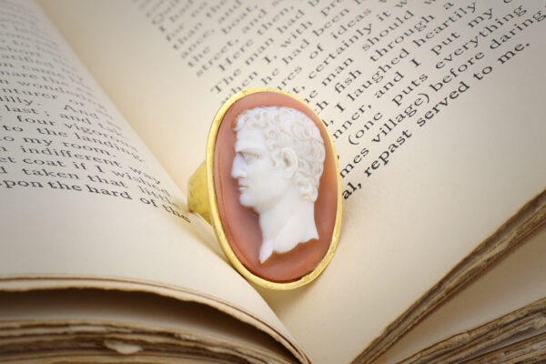 Antique Agate And Gold Cameo Ring