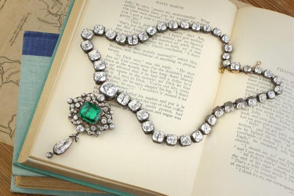 Antique Paste Necklace And Detachable Pendant