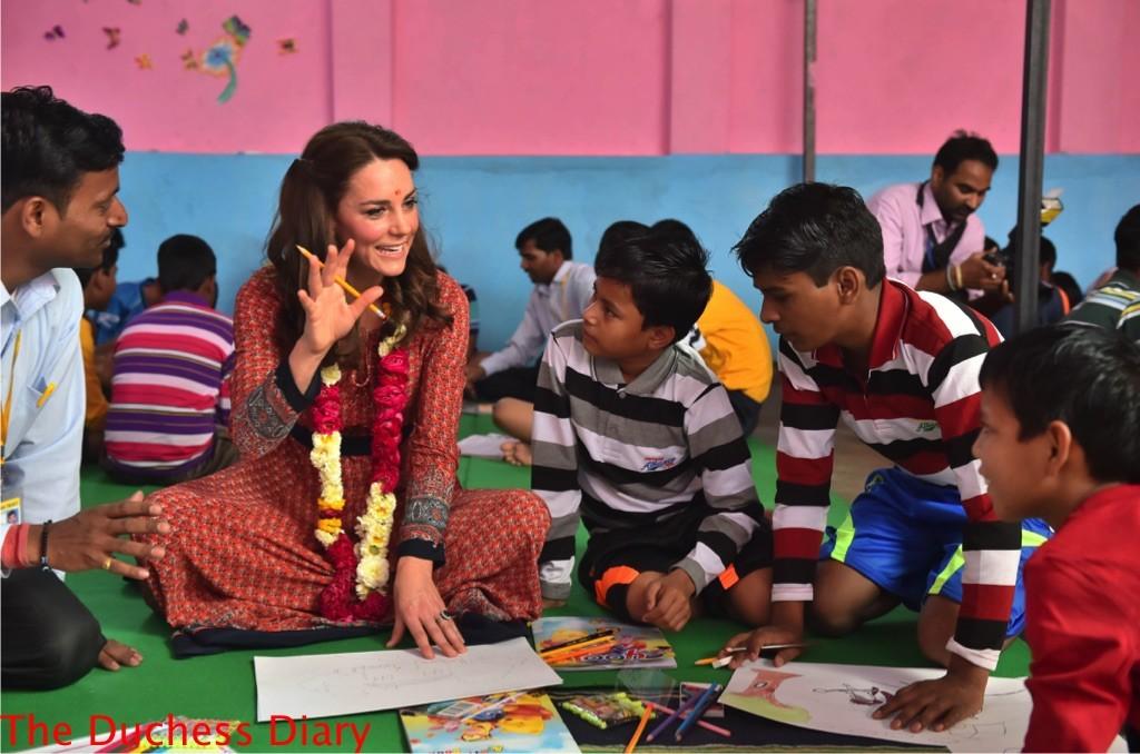 kate middleton hangs out kids salaam baalak charity