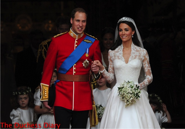 prince william holds kate middleton hand just married westminster abbey