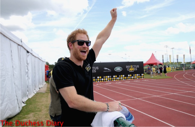 prince harry sunglasses cheers track and field invictus