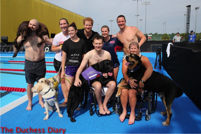 prince harry poses competitors service dogs invictus games 2016