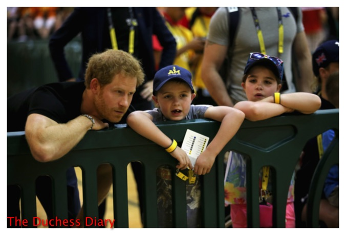 prince harry watches sitting volleyball with kids invictus games 2016