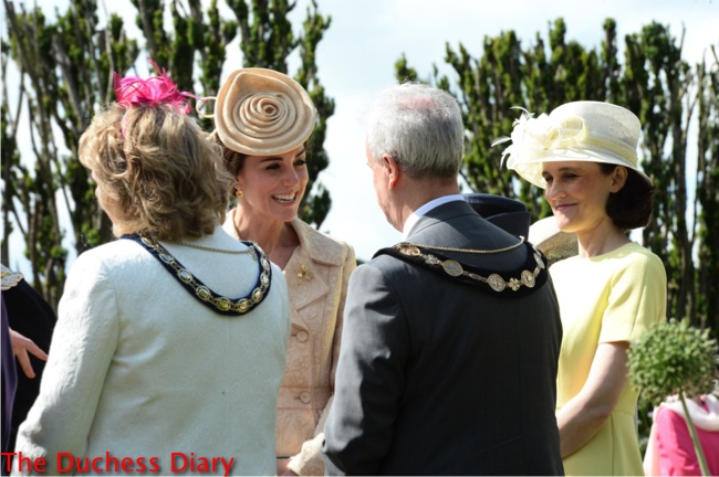 duchess of cambridge Lock & Co hat chats guests northern ireland garden party