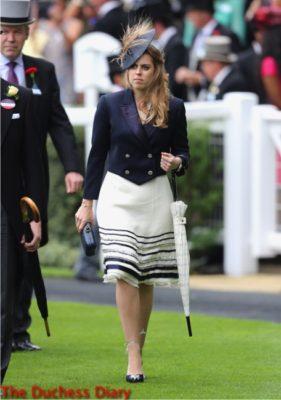princess beatrie blue blazer umbrella parade ring royal ascot 2016 day one
