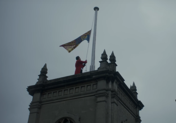 royal standard lowered the crown